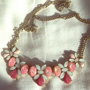 Lovely necklace adjustable. Gently worn.